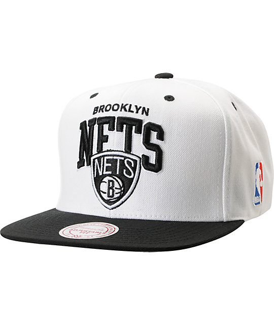 best sneakers a4033 4df48 NBA Mitchell and Ness Brooklyn Nets Arch 2Tone White Snapback Hat   Zumiez