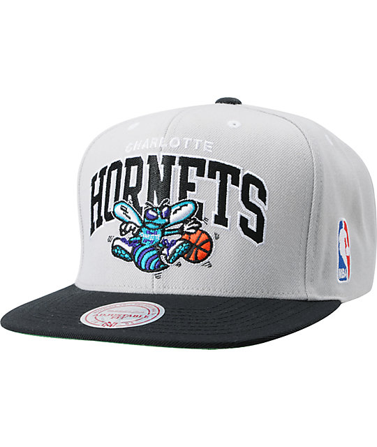 72c58165c2d879 NBA Mitchell and Ness Charlotte Hornets Grey Arch Snapback Hat | Zumiez
