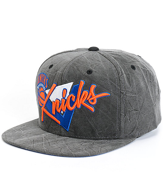 a7e5751072558 NBA Mitchell and Ness Crease Triangle Knicks Snapback Hat | Zumiez