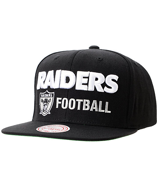 7573c1f6cc0331 NFL Mitchell and Ness Oakland Raiders Blockers Black Snapback Hat | Zumiez