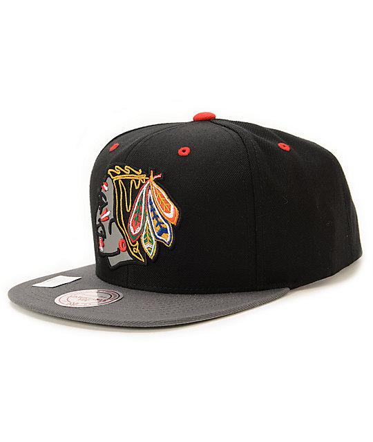 5bcb79bee NHL Mitchell and Ness Blackhawks XL Reflective Snapback Hat