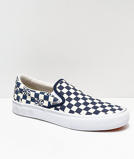 Vans x Independent Slip-On Pro Blue & White Checkerboard Skate Shoes | Zumiez