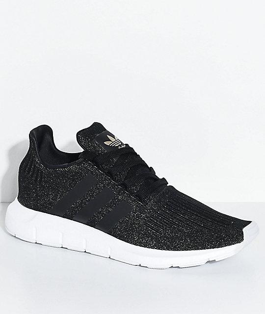 date de sortie: ecbbc 1c5c7 adidas Swift Run Core Black & White Shoes