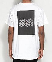 Akomplice x Synchrodogs 3.141 camiseta blanca