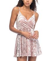 Love, Fire Crushed vestido de terciopelo en color malva