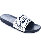 24654cd363e01 Nike SB Benassi Solarsoft sandalias en blanco y azul marino